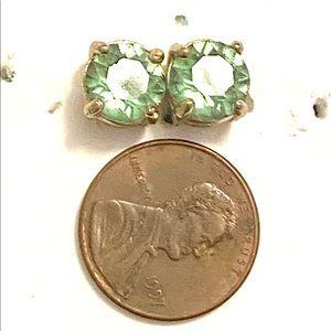 Jewelry - Green gold stud earrings